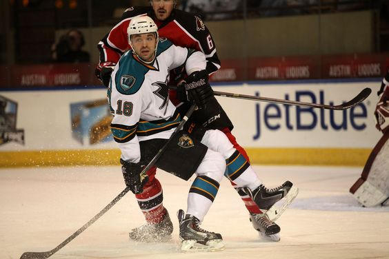 Worcester Sharks rookie forward Eriah Hayes puts on the breaks (April 1, 2014).