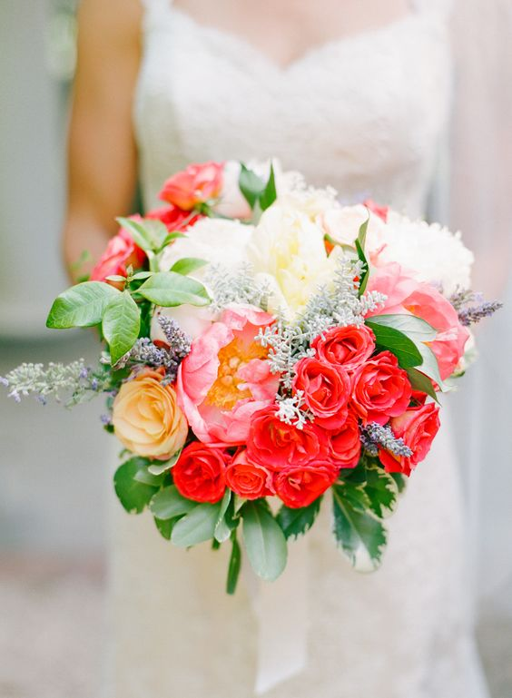 Colorful peony and rose bouquet | Photography: Katie Stoops Photography - katiestoops.com
