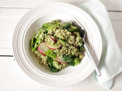 spinach pesto quinoa on the whole living blog.: Fruit Salad, Quinoa Meatless, Meatless Vegetables, Living Meatless, Name, Quinoa Salad, Meatless Monday