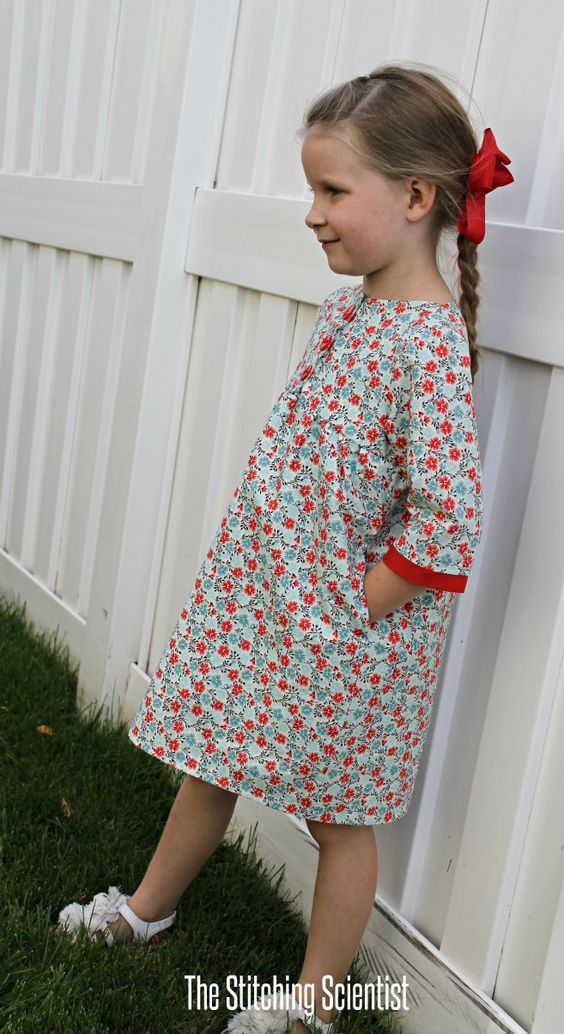 Brooklyn dress, free pdf pattern for both knit and woven fabrics in sizes 2,4,6