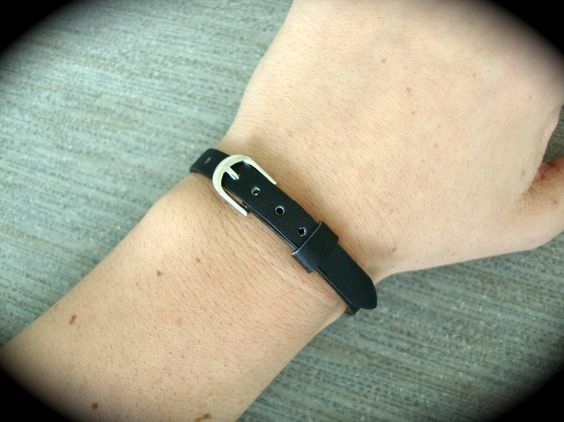 Yogi Bead Black Buckle Basic Bracelet