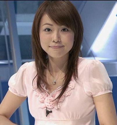 本田朋子可愛いトップスと笑顔