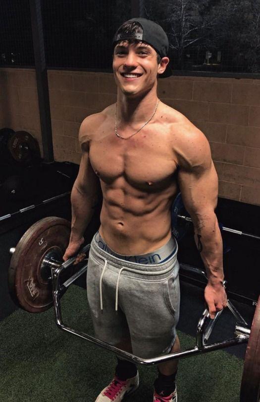 Pin By Sean Doyle On Guy Next Door In 2020 Muscular Men Gym Boy