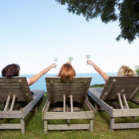 What Wine Experts Drink: The 6 Best Summer Wines