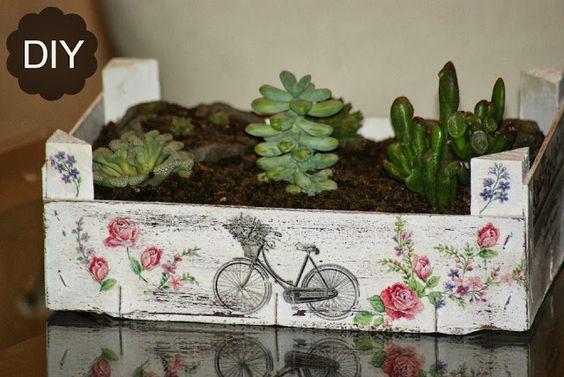Decoupage, transfer y otras técnicas. Restauración de muebles. Tutoriales DIY y craft ideas.: Reciclaje caja de fruta. DIY jardín de crasas....: