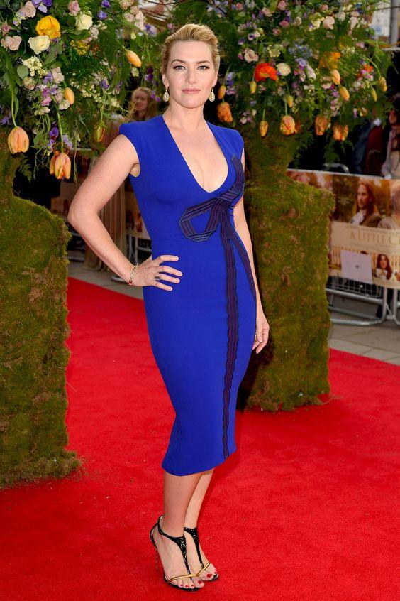 Kate Winslet in blu elettrico alla prima di A Little Chaos a Londra.  -cosmopolitan.it