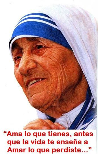 Madre Teresa de Calcuta .... Nuestra madre alimentaba a niños pobres