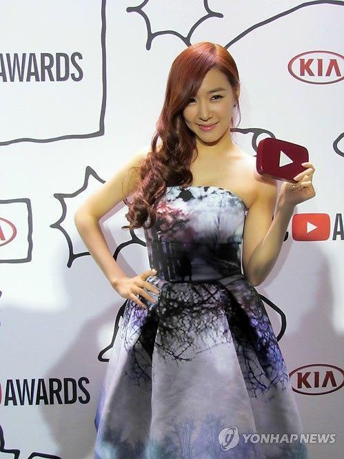 Girls' Generation Wins Music Video of the Year at Youtube Awards #SNSD #GirlsGeneration #kpop