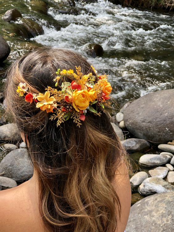 A beautifully made hair clip with such gorgeous fall/autumn elements. #weddinghairstyles #autumnwedding #yellowflowers #burntorange #brideshairpiece