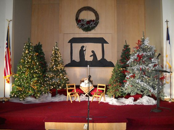 Church christmas decorating love the manger scene for Christmas church decoration ideas