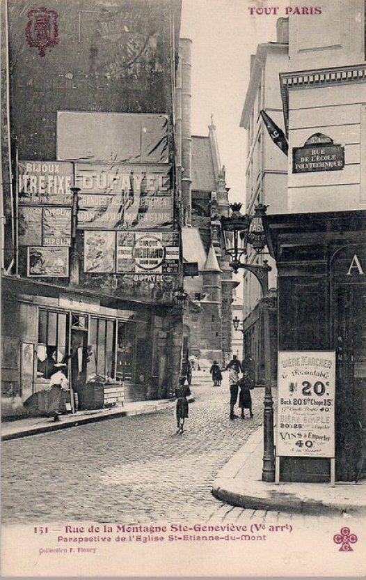 La rue de la Montagne-Sainte-Geneviève au coin avec la rue de l'Ecole-Polytechnique, vers 1910.