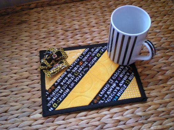 """Quilts & Patchwork - Mug Rug """"Sonnengelb"""" (Becherteppich, Unterset... - ein Designerstück von 19Amanda53 bei DaWanda"""