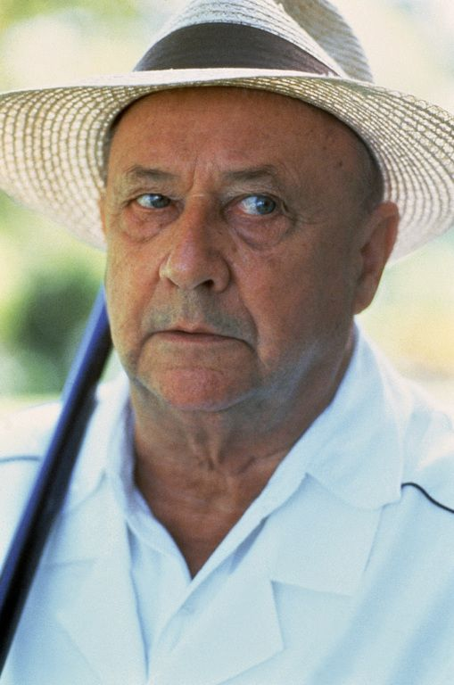 This is Donald Pleasence: If you want to be an actor, study here.