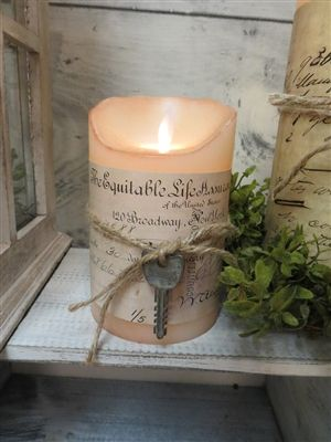 love the song & key around this candle