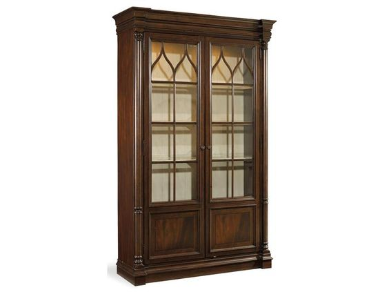 Элегантная высокая витрина со стеклянными декорированными дверями из коллекции Leesburg.  •Стиль традиционный. •Изготовлена из твердых пород каучукового дерева и шпона красного дерева со смолой. •Богатая отделка из темного дерева. •Задняя панель в белой о...             Материал: Стекло, Дерево.              Бренд: Hooker Furniture.              Стили: Классика и неоклассика.              Цвета: Темно-коричневый.
