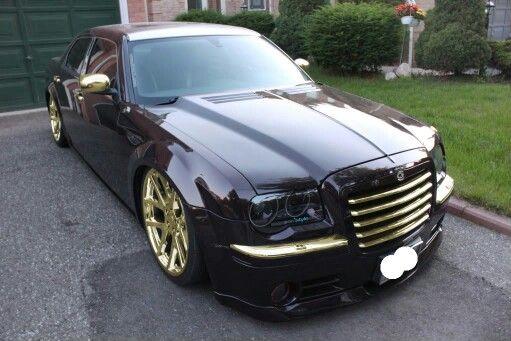 Chrysler 300c Black And Gold Chrysler 300c Chrysler Cars