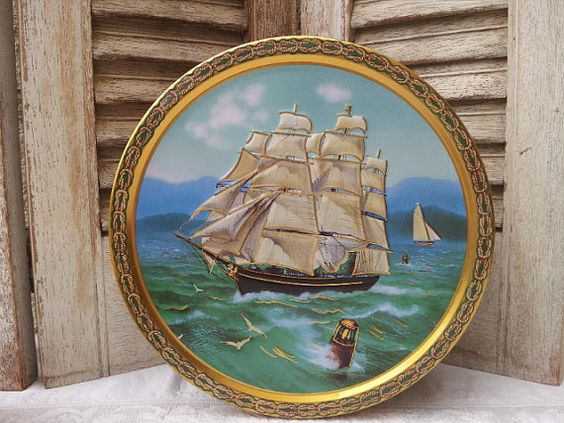 Tall Ships biscuit tin / Round cookie tin by PureJoyVintage