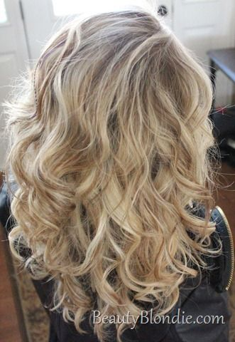 How To Create Loose Hollywood Curls - curls are very flattering in photos.