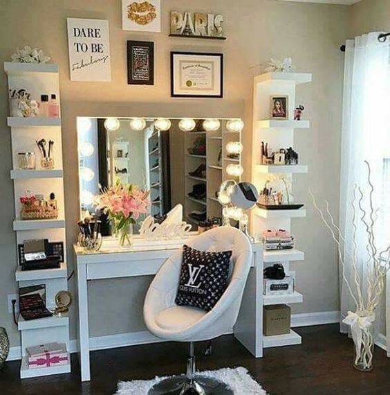 Make up tafel  slaapkamer meisjes . bedroom girls  Pinterest  Make ...