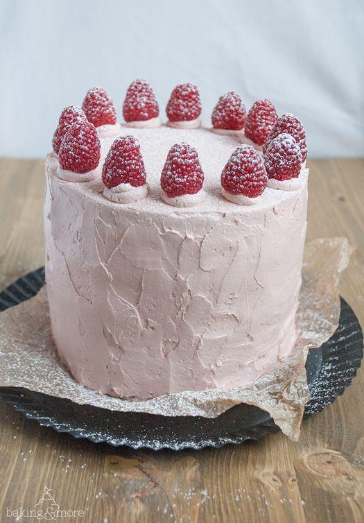Fabelhaftes Himbeer-Zitronen Törtchen {Fabulous Raspberry Lemon Layer Cake}
