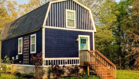Jason S 800 Sq Ft Barn Cabin Shed To Tiny House Barn Style House Small Barn Home