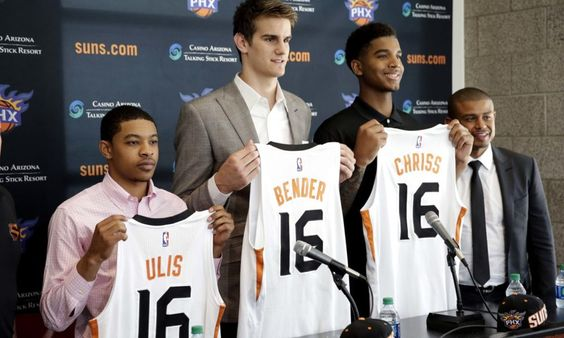 Roundtable: Suns offseason review = The Phoenix Suns were a bit of a mess last season. Injuries to Eric Bledsoe and Brandon Knight didn't help, and neither did the bizarre Markieff Morris situation. Tyson Chandler also showed his age after.....