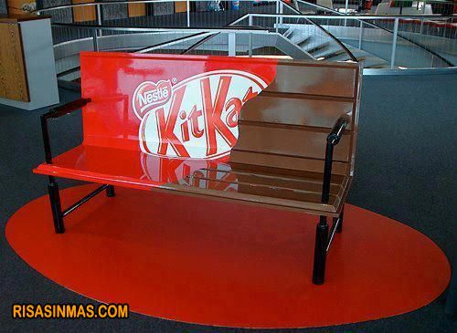 ¿Un Kit Kat?  http://bit.ly/I5IRhf