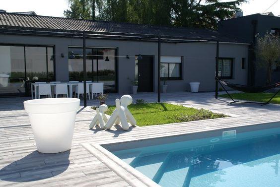Terrasse et tour de piscine en lames boib imitation bois exterieur pint - Terrasse beton imitation bois ...