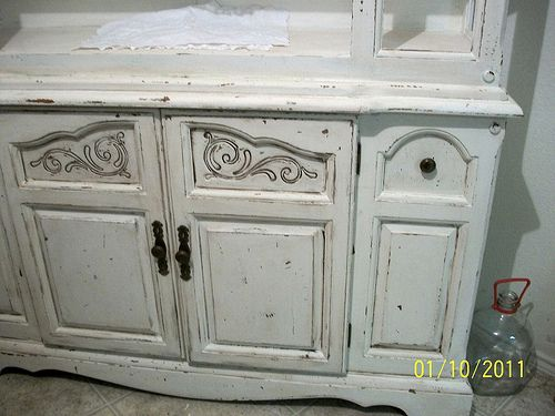 The Thrifty Side: My China Hutch Makeover