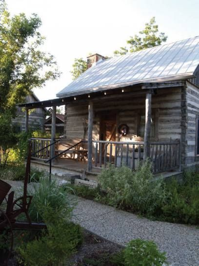 The pedernales cabin at cotton gin in fredericksburg tx for Cabins near fredericksburg tx