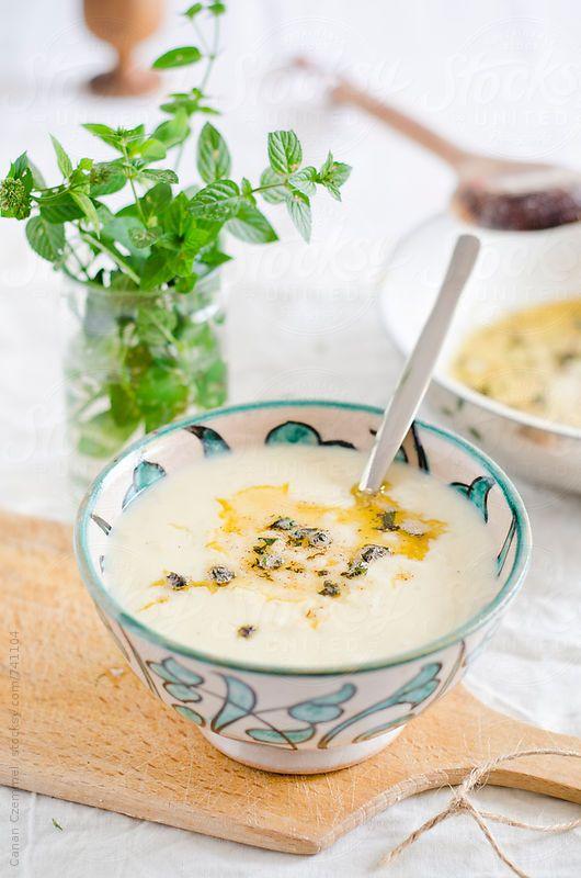 Yayla Çorbası, Sopa de yogurt, Turquía