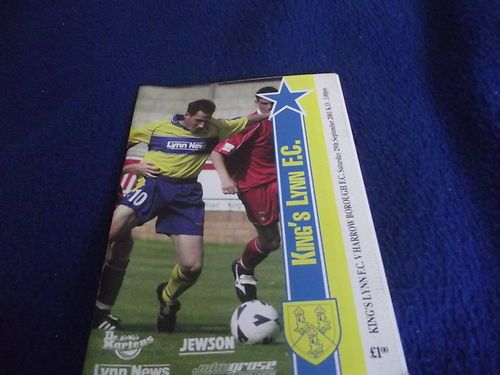 Home to Harrow Borough   Fa Cup QF 29/09/2001.   Lee Hudson on the cover