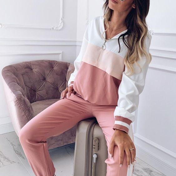 Clothing Length: REGULARCollar: HoodedPant Closure Type: Elastic WaistMaterial: PolyesterClosure Type: PulloverStyle: CasualSleeve Style: REGULARSleeve Length(cm): FullDecoration: NONEPant Length(cm): Full LengthPattern Type: GeometricSIZE: S,M,L,XL,XXL