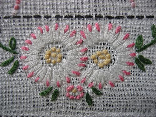 Daisies simple designs and stitches on pinterest
