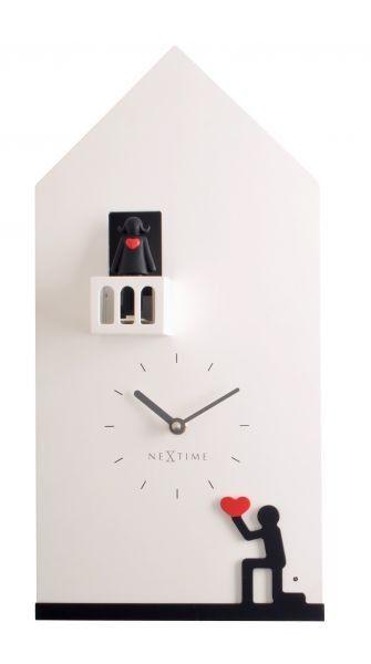Oh gosh, it's a Romeo and Juliet clock - so cute :)