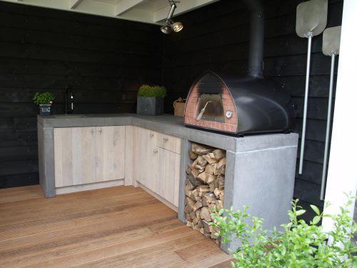 Stoere keuken en bar voor buiten in eiken met beton #buitenkeuken ...