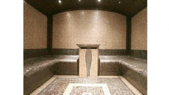 BEST WESTERN PLUS LE COLISÉE HÔTEL & SPA *** / Laissez-vous séduire par un Spa avec sauna et hammam traditionnels dans un cadre raffiné et contemporain.