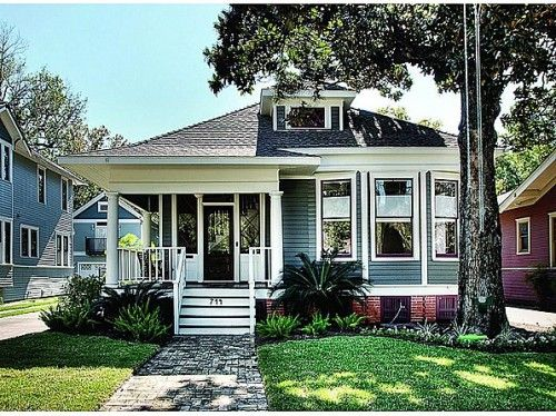 Choosing Exterior Paint Colors For Brick Homes: Is Blue For You? Choosing Exterior Paint Colors