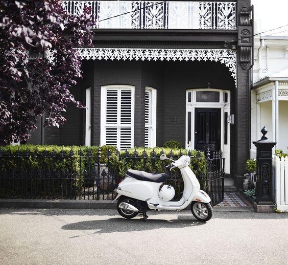 Inner city cottage exterior get the look dulux paints - Exterior paint dulux model ...