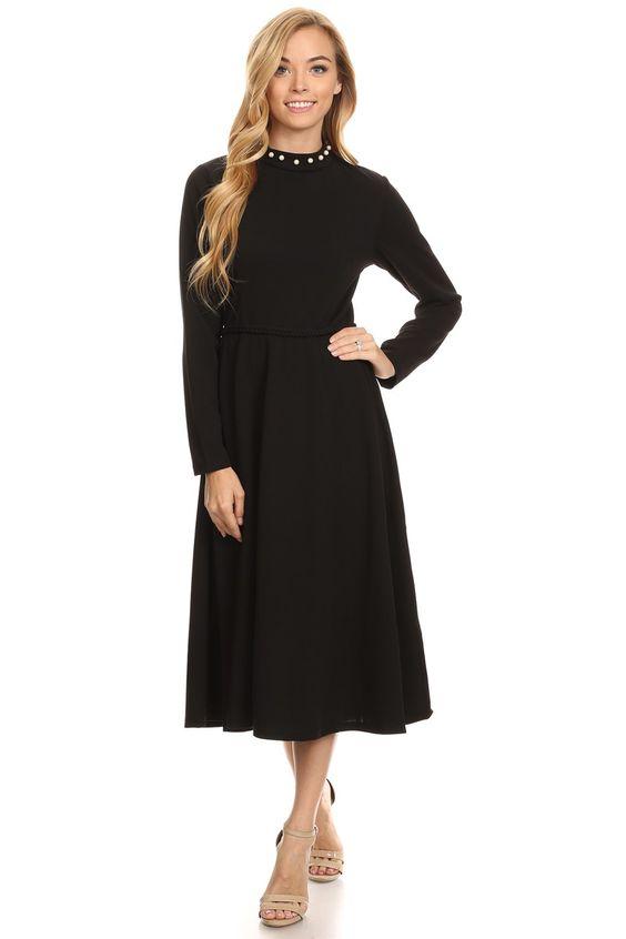 Платье черное с длинными рукавами короткое