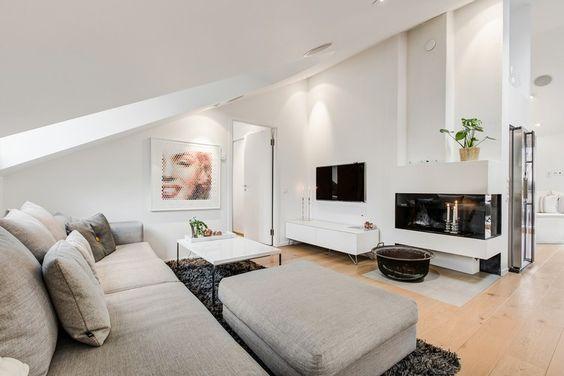 skandinavischer Wohnstil und Wohnzimmer mit Dachschräge Attic