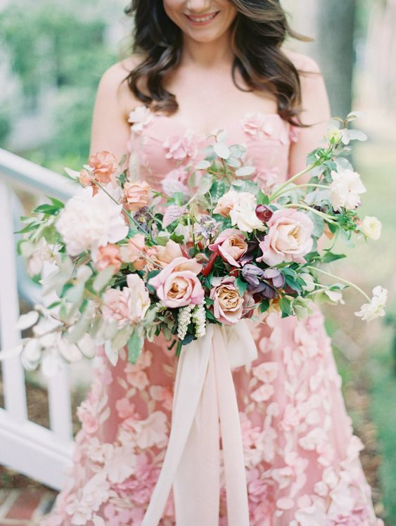 Pin By Ashley Noelle Edwards On Bouquets Wedding White Wedding