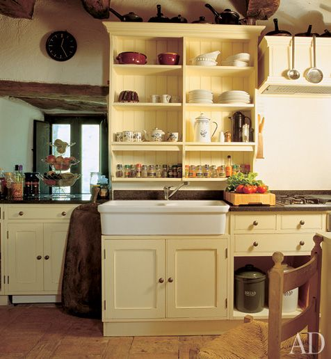 Great yellow farm kitchen with the look and feel of an for Rustic yellow kitchen