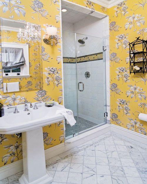 Wallpaper Dinding Kamar Mandi Sederhana Dengan Motif Bunga Sederhana Yang Bisa Menjadi Inspirasi Untuk Anda Dekor Kamar Mandi Kamar Mandi Makeover Kamar Mandi