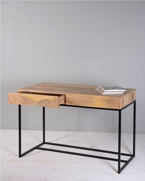 minimaler Schreibtisch Mangobaum // minimal desk, mango tree wood via DaWanda.com