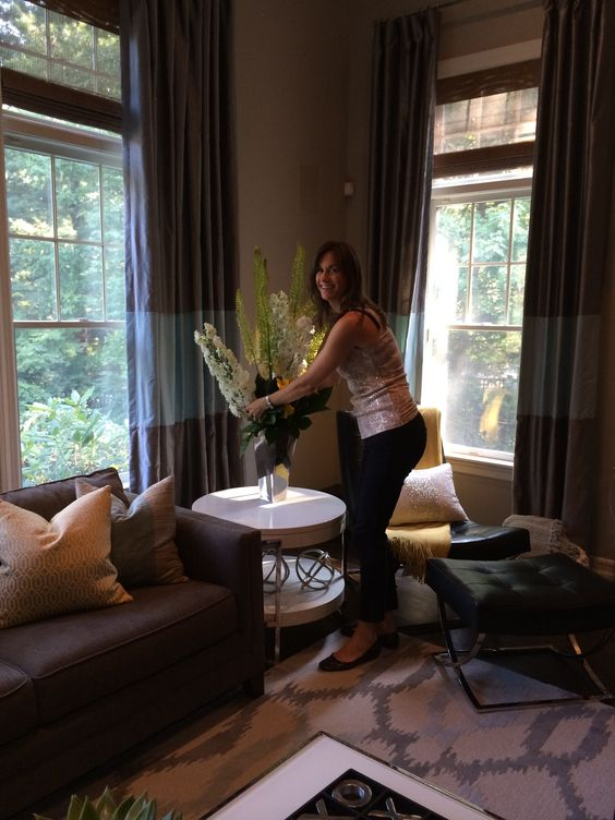 Behind the scenes of my room's photo shoot! www.laramichelle.com