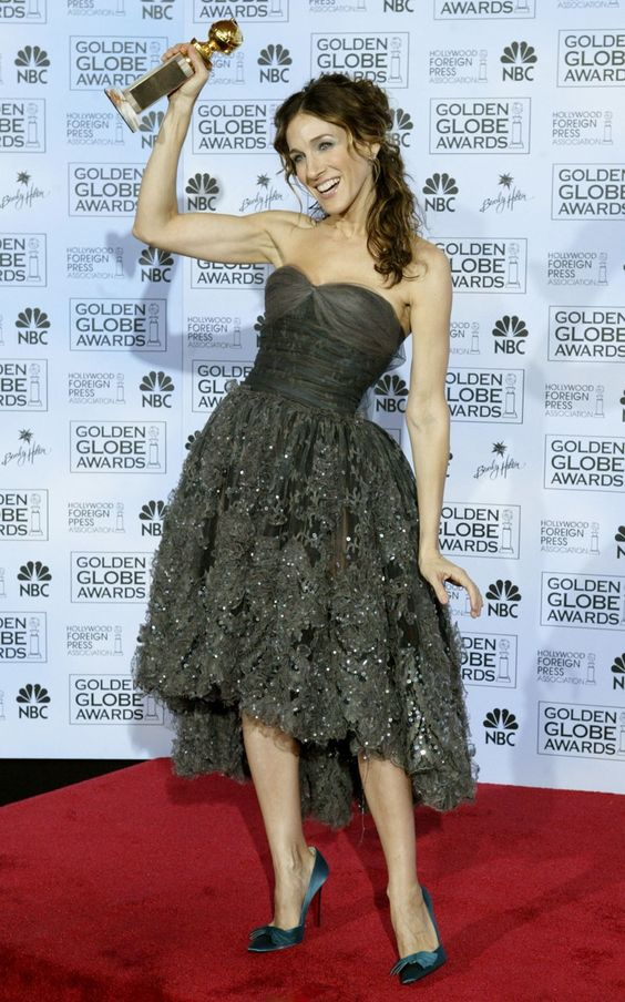 Sarah Jessica Parker..love to wear my hair in this style, so sexy and pretty!