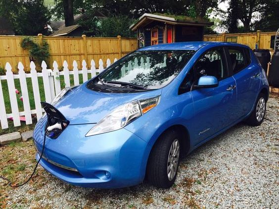 used nissan leaf photo