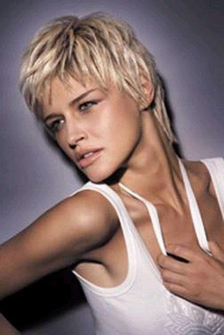 coupe de cheveux femme court nuque longue