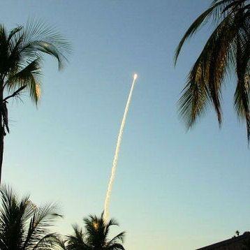 En Guyane, voir décoller la fusée Ariane Haut lieu du tourisme scientifique, le centre spatial guyanais (CSG) est une base de lancement de fusées européenne, près de Kourou, en Guyane Française. C'est notamment de là que sont assemblées et lancées les fusées Ariane, fleurons de l'aérospatiale française.